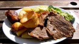 A Sunday roast to be banned? (Wikipedia)