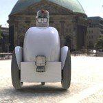 Carteros robot: 'Jackrabbot' esquiva a los peatones para hacer entregas locales