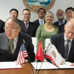 China lansează covorul roșu către guvernatorul Californiei, Jerry Brown, privind schimbările climatice