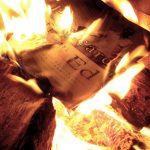 Barbariske teknokrater har ødelagt skoledøre og plyndrer viden