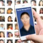 Cosechando fotos de Facebook para la base de datos de reconocimiento facial masivo
