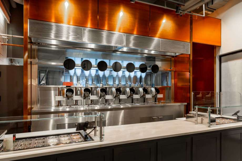 Robots Have Replaced The Chefs At Boston Restaurant