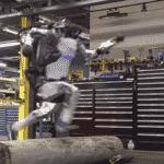 Nessuna via d'uscita? Atlas Robot corre e salta come un essere umano