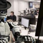 Algoritmii AI scriu povești, înlocuiesc reporterii