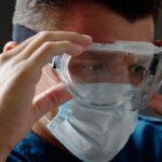 Technocrat Fauci: Nu är det skyddsglasögon eller ögonsköldar
